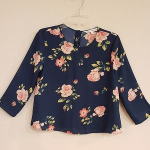 CUPCAKES & CASHMERE Floral Button Up Back Top S